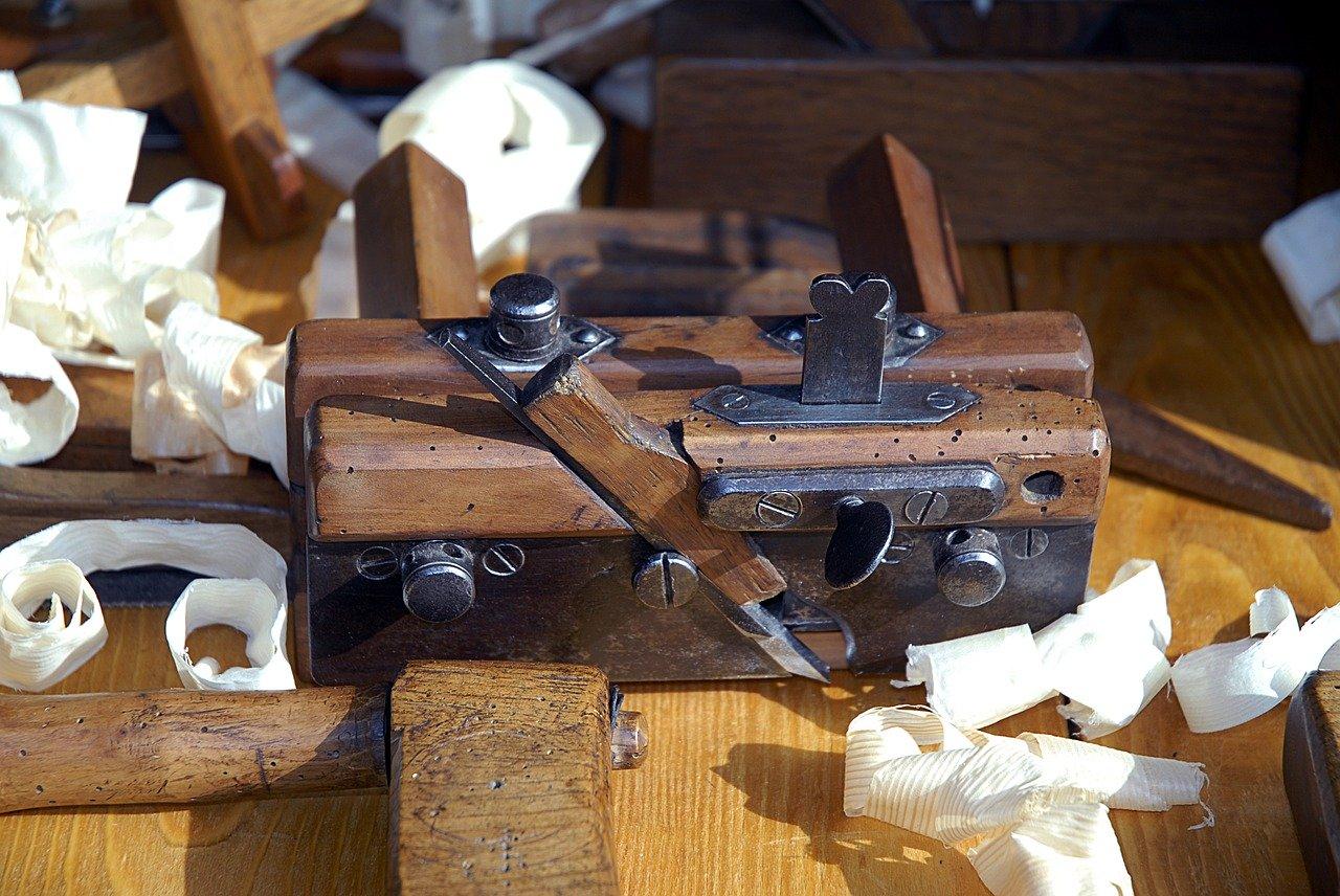 Majsterkowanie to Twój żywioł? Lubisz pracować z drewnem? Czas na warsztat stolarski!